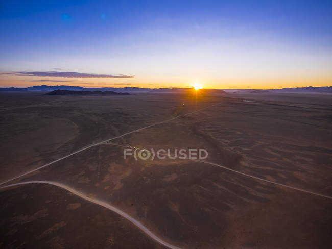 Africa, Namibia, Hardap, Hammerstein, Kulala Wilderness Reserve, Tsaris Mountains, Sossusvlei Region, Namib desert at sunset — Stock Photo