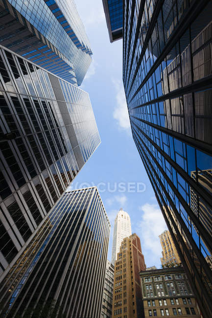 Rascacielos en el centro de Manhattan temprano en la mañana, ciudad de Nueva York, Estados Unidos - foto de stock