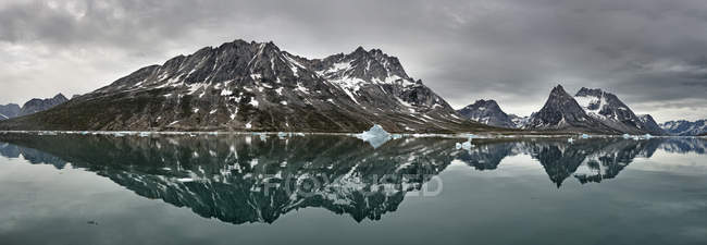 Greenland, Kulusuk, Panorama of Schweizerland  during daytime — Stock Photo