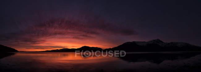 Royaume-Uni, Écosse, Loch Linnhe au coucher du soleil — Photo de stock