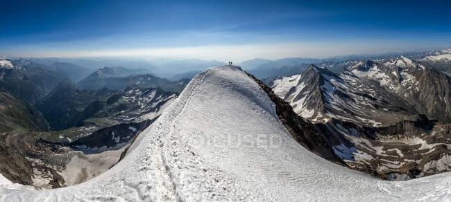 Svizzera, Wallis, Saas-Grund, Alpi Pennine, Weissmies, panorama con cime — Foto stock