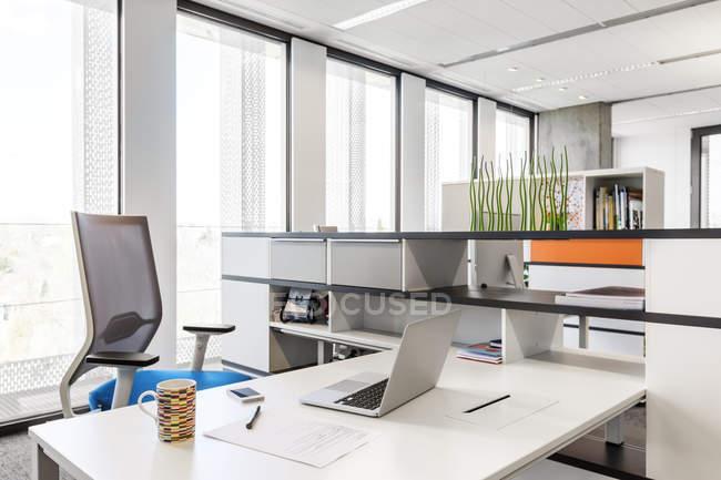 Design Ufficio Moderno : Design degli interni ufficio moderno u foto stock
