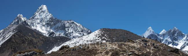 Ama Dablam durante il giorno, Khumbu, regione dell'Everest, Himalaya, Nepal — Foto stock