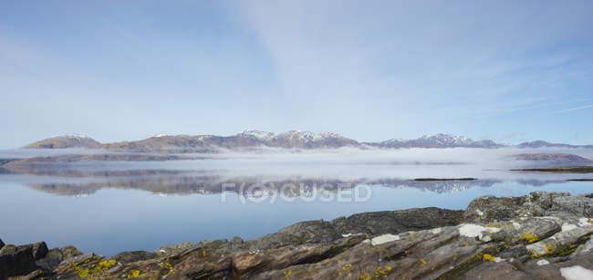 UK, Scotland, Scottish Highlands, Loch Linnhe, Isle of Lismore with the hills of Kingairloch — Stock Photo