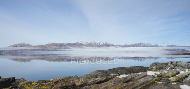 UK, Scotland, Scottish Highlands, Loch Linnhe, Isle of Lismore with the hills of Kingairloch — Stock Photo