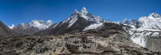 Nepal, Himalaya, Khumbu, catena montuosa dell'Ama Dablam — Foto stock