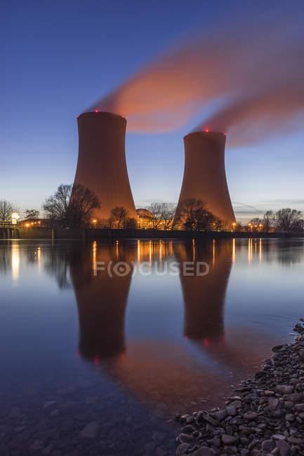 Alemanha, Baixa Saxónia, Grohnde, Central Nuclear de Grohnde — Fotografia de Stock