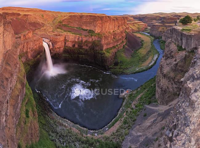 États-Unis, État de Washington, Vue de jour sur Palouse Falls — Photo de stock