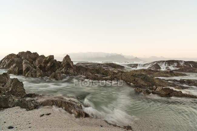 Ansicht von Bloubergstrand bei Sonnenaufgang, Cape Town, Südafrika — Stockfoto
