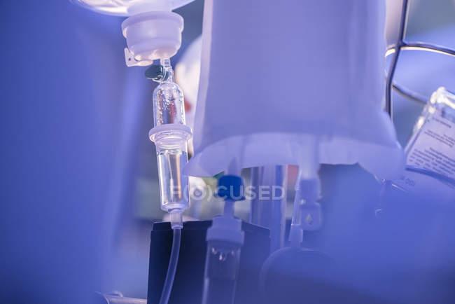 Tropfflasche im Krankenhaus — Stockfoto