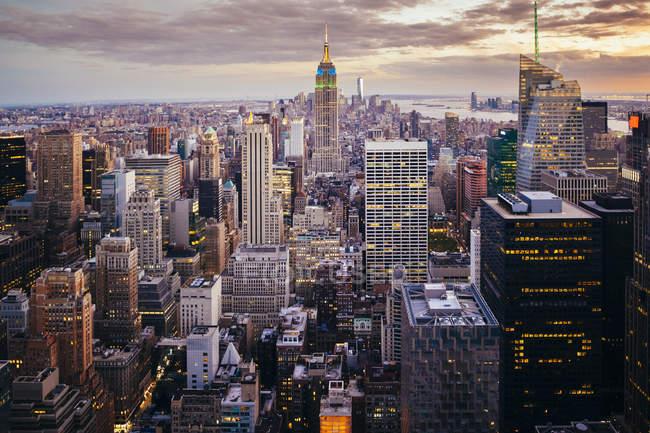 Stati Uniti, Stato di New York, New York, Manhattan, Skyline al tramonto — Foto stock