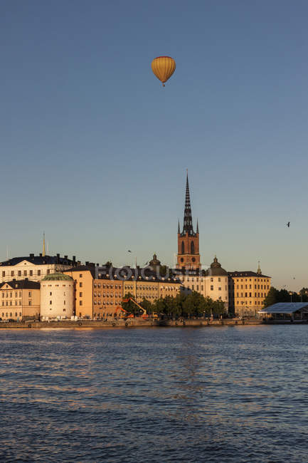 Svezia, Vista verso Riddarholmen, parte di Gamla Stan, il centro storico di Stoccolma — Foto stock