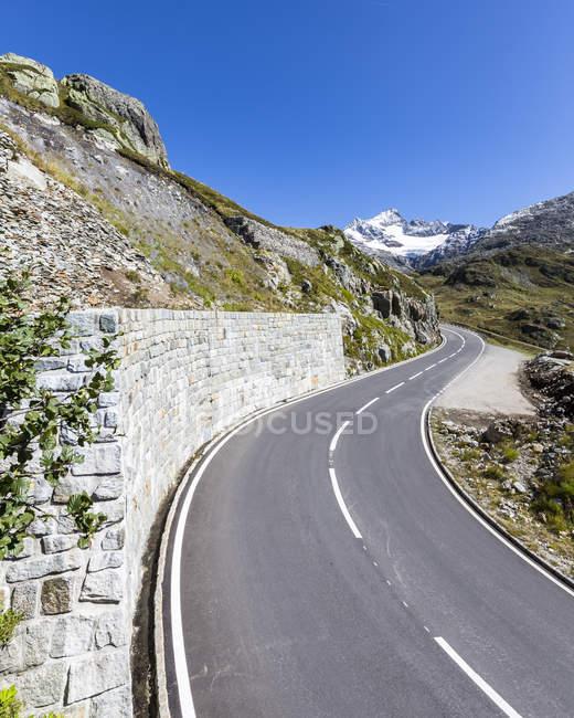 Schweiz, Sustenpass, Berner Oberland, Gadmertal, Bergstraße — Stockfoto