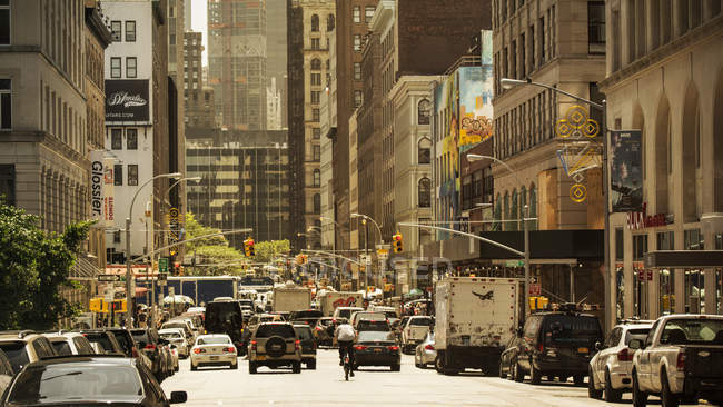 USA, New York City, Cars in a Manhattan street during daytime — Stock Photo