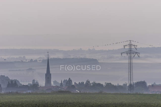 Germany, Lower Saxony, Koenigslutter, View to Lelm with St. Mary 's Church — стоковое фото