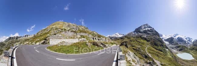 Schweiz, Berner Oberland, Susten-Pass, Gadmertal, Panorama Bergstraße mit Stein-Gletscher — Stockfoto