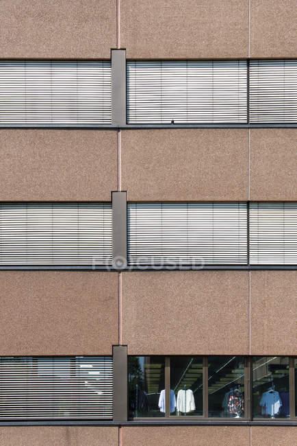 Edificio de oficinas de Alemania, centro-Rheinpark, al aire libre - foto de stock
