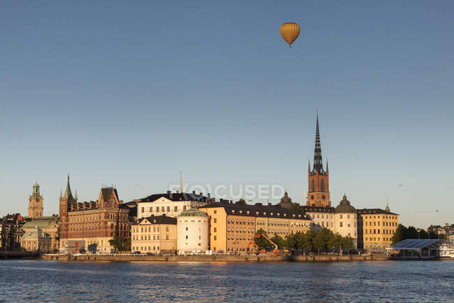 Sweden, View towards Riddarholmen, part of Gamla Stan, the central old town of Stockholm — Stock Photo