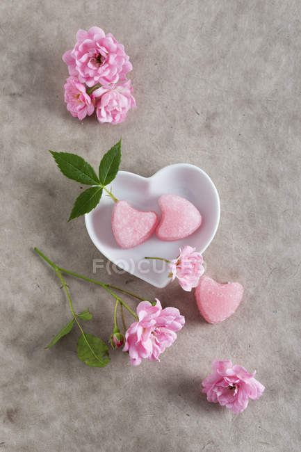 Sugar hearts with taste of roses — Stock Photo