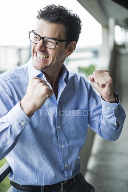Ritratto di uomo d'affari di successo in abito — Foto stock