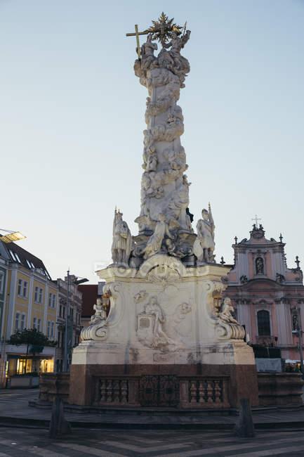 Austria, Baja Austria, San Poelten, Columna de la Plaga - foto de stock