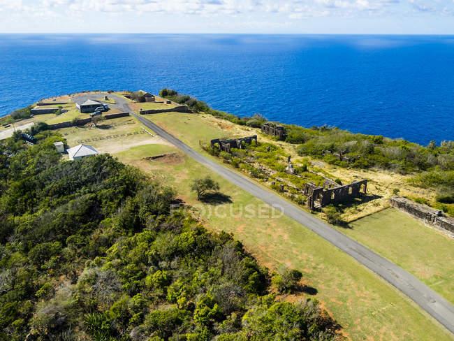 Westindische Inseln, Antigua und Barbuda, Antigua, Luftaufnahme von Block House, Ruine — Stockfoto