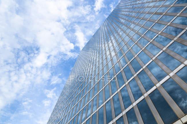 Vue de la façade des tours de point culminant dans la journée, Munich, Allemagne — Photo de stock