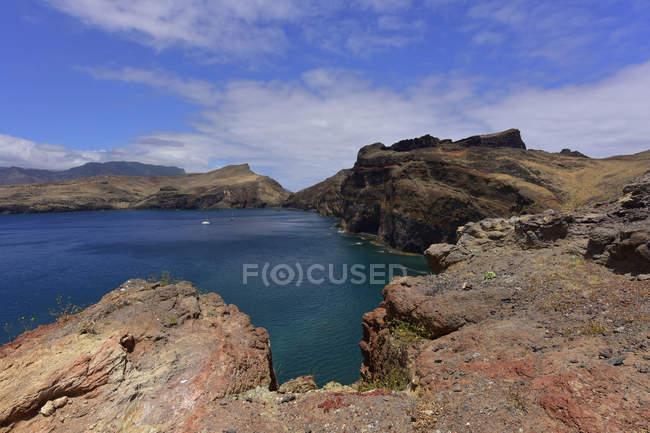 Portugal, Madeira, Ponta do Furado coast — Fotografia de Stock