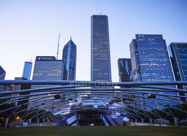 США, штат Іллінойс, Чикаго, вид регулювання висоти зростання будівлі денний час — стокове фото