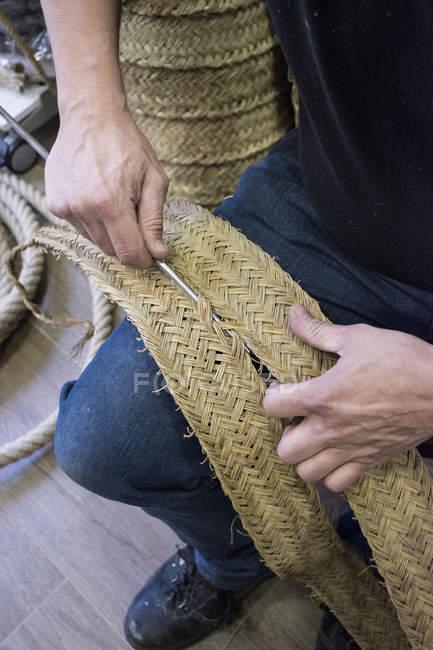 Espartero esparto costura com agulhas de ferro — Fotografia de Stock