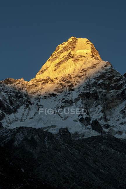 Непал, Гімалаї, соло Кхумбу Ама-Даблам змонтувати денний час — стокове фото