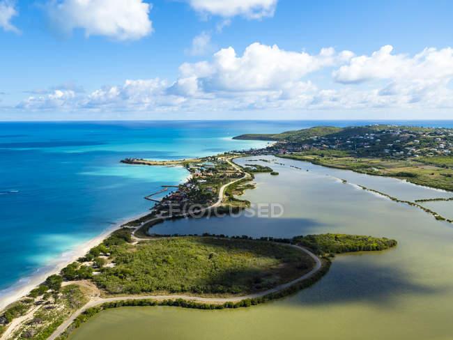 Westindische Inseln, Antigua und Barbuda, Antigua, Luftaufnahme, fünf Inseln Dorf — Stockfoto