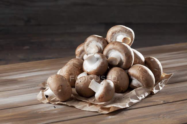 Pile of Crimini Mushrooms — Stock Photo