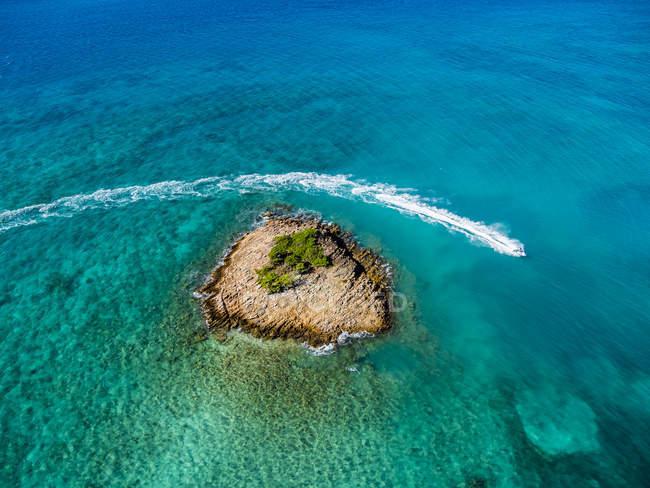 Westindische Inseln, Antigua und Barbuda, Antigua, Luftaufnahme, Jet-Ski vor Turners Strand — Stockfoto