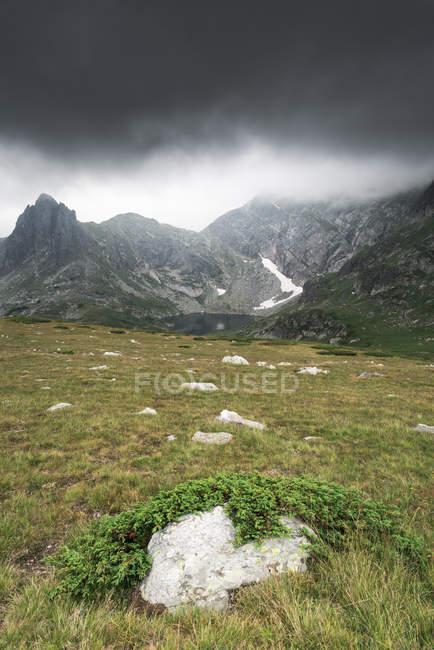 Bulgarie, chaîne de montagnes de Rila, paysages — Photo de stock