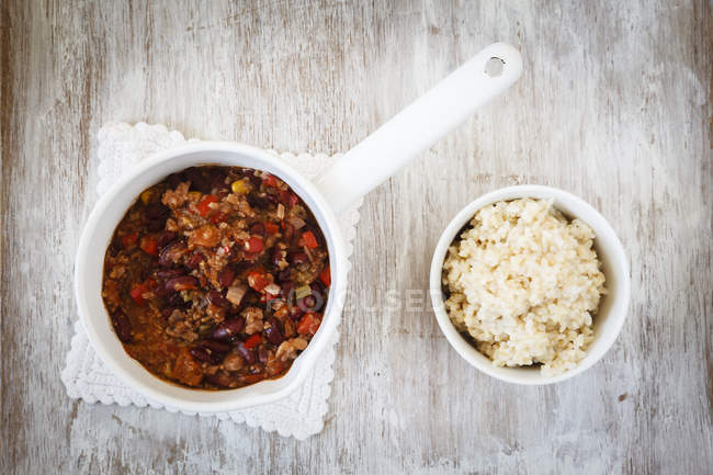 Vegan Chili гріх Карна над деревної поверхні — стокове фото