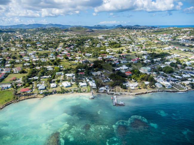 Antigua und Barbuda, Antigua, Crosbies, Wohltaten Bay während des Tages — Stockfoto