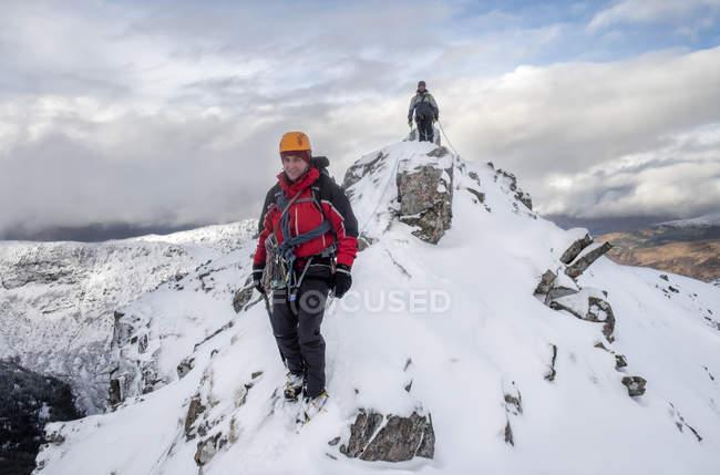 Écosse, Glencoe, Beinn a'Bheithir, alpinisme en hiver — Photo de stock