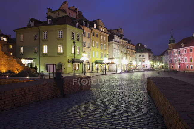 Poland, Warsaw, historic city centre by night — Stock Photo
