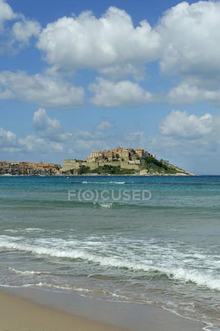France, Corse, Haute-Corse, vue vers Calvi sous les nuages — Photo de stock