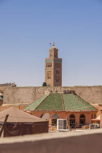 Marrocos, Marraquexe, em vista da Mesquita Koutoubia — Fotografia de Stock