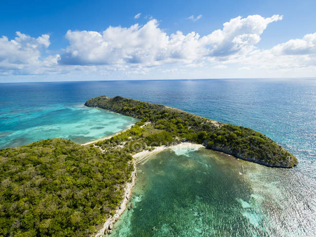 West Indies, Antigua and Barbuda, Antigua, Great Bird Island, South and North Beach — Stock Photo