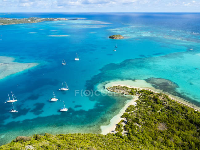 Westindische Inseln, Antigua und Barbuda, Antigua, Luftaufnahme, Green Island, Green Bay — Stockfoto