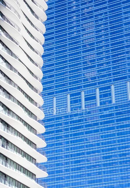 USA, Illinois, Chicago, High-rise building, facades, Aqua Tower left — Stock Photo