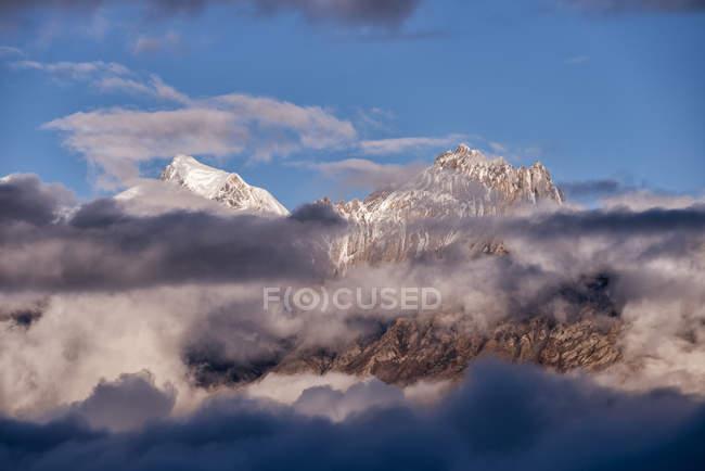 Nepal, Annapurna, Muktinath, Nilgiri Himal durante o dia — Fotografia de Stock
