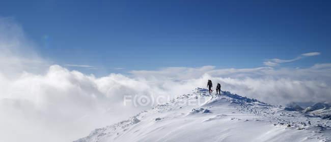 Шотландия, Гленкоу, Стоб Деарг, скалолазание зимой — стоковое фото