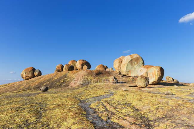 Африка, Зимбабве, Национальный парк Матобо, Скала с могилой Сесила Роудса — стоковое фото