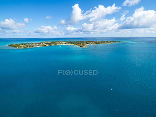 West Indies, Antigua and Barbuda, Antigua, Long Island during daytime — Stock Photo
