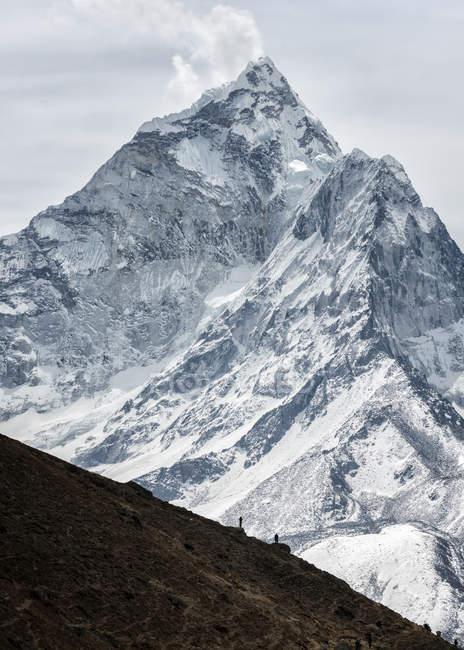 Népal, Himalaya, Solo Khumbu, Ama Dablam pendant la journée — Photo de stock