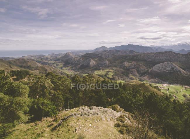 Spagna, Asturie, veduta delle montagne Picos de Europa da Mirador del Fito — Foto stock
